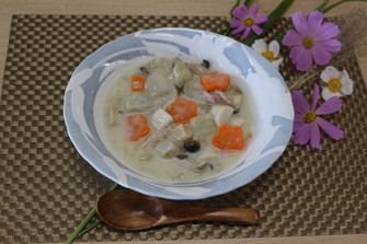 里芋ときのこの元気スープ