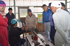 農機具の点検方法を学ぶ JA三穂農機具友の会