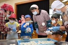 女性部龍江支部目的別G 手作り五平餅で伝統の継承