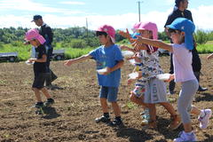 【NEWS】三穂盛年の会食育事業 三穂保育園のそば蒔き